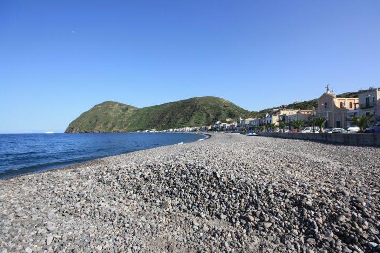 spiaggia lipari canneto